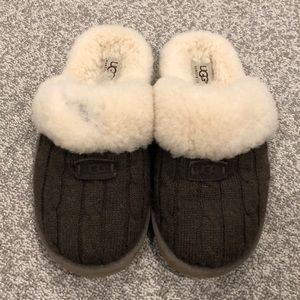 Shoes - Ugh slippers